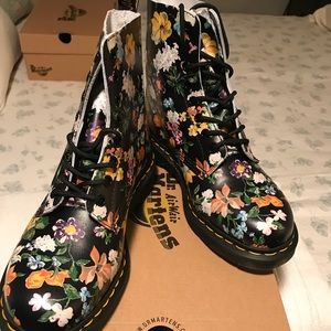 Dr Marten Lace up Boots